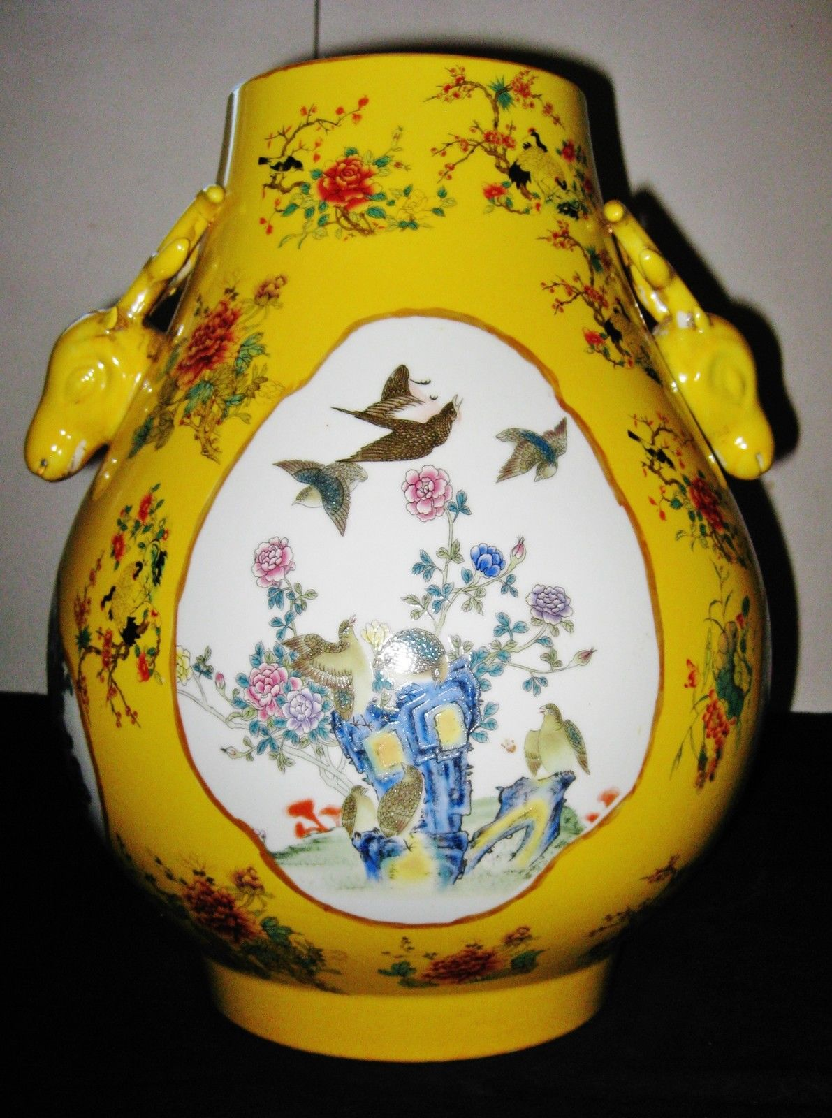 ANTIQUE CHINESE PORCELAIN FLOWER BIRD VASE WITH TWO DEAR HEADS,19TH CENTURY.