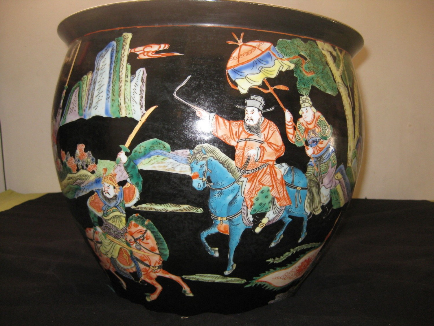 ANTIQUE HUGE CHINESE PORCELAIN FISH BOWL,19TH CENTURY, NR.