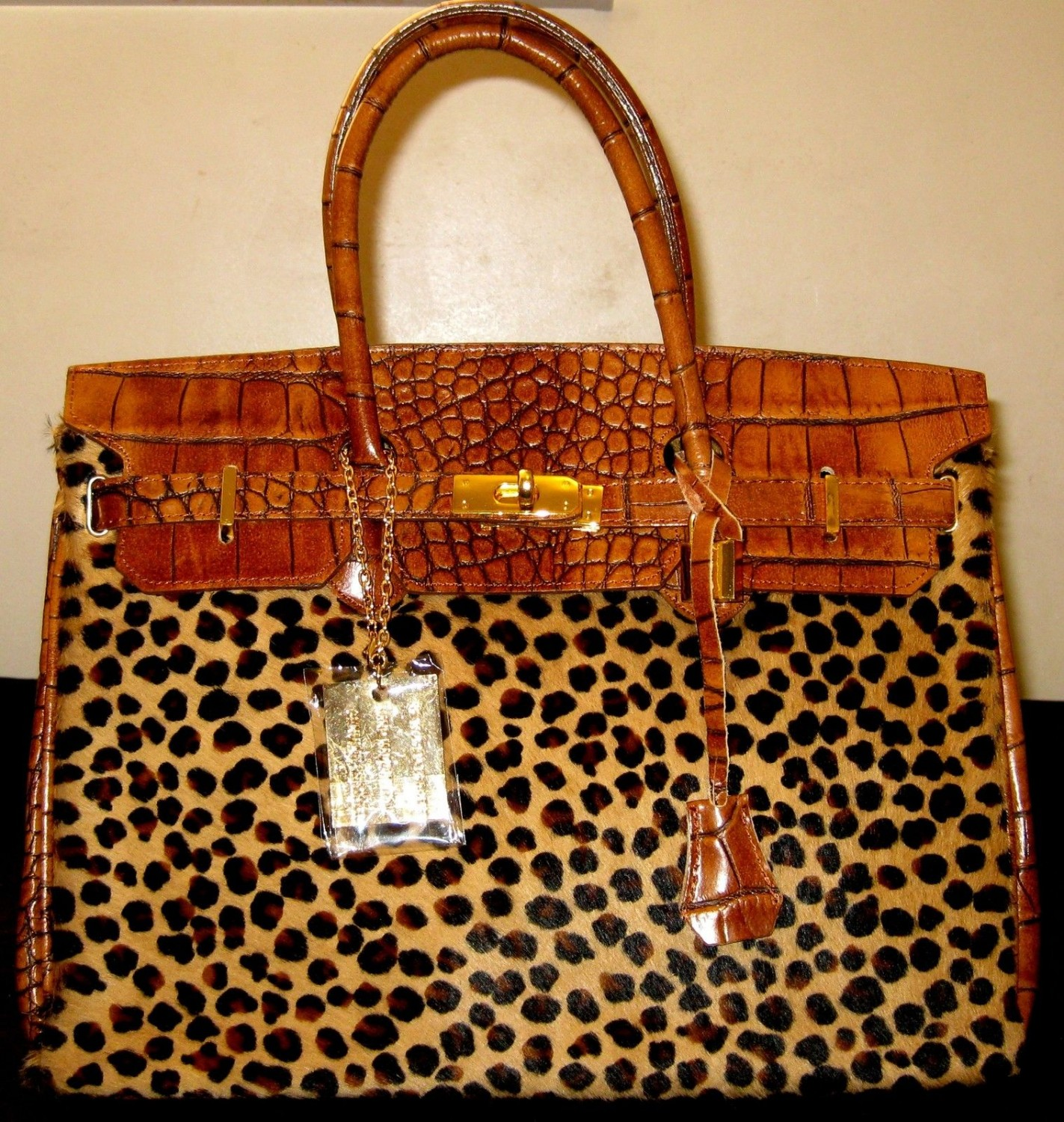 100% Italy Fashion Style Leather Bag - Stadhuset- Cognac Colors.