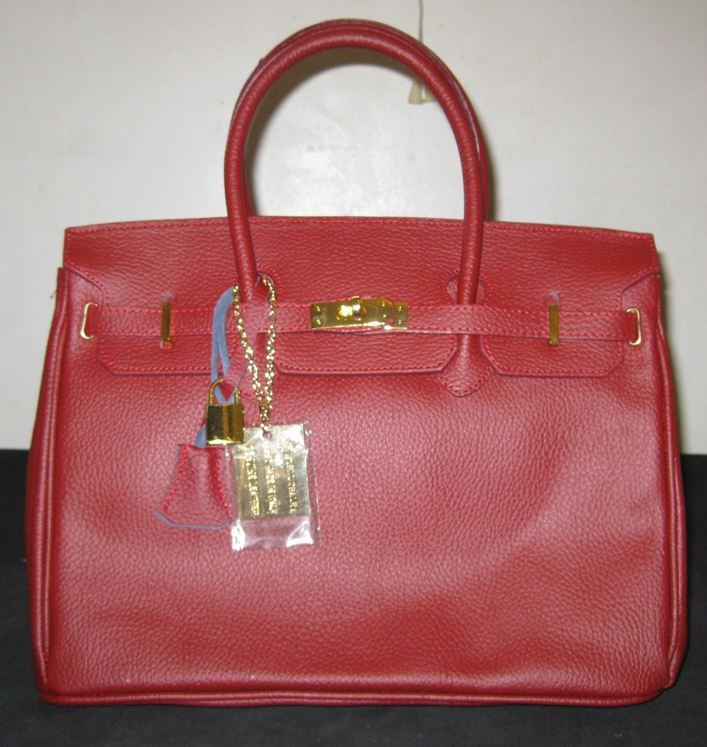 100% Italy Leather Hand Bag - Red Colors.