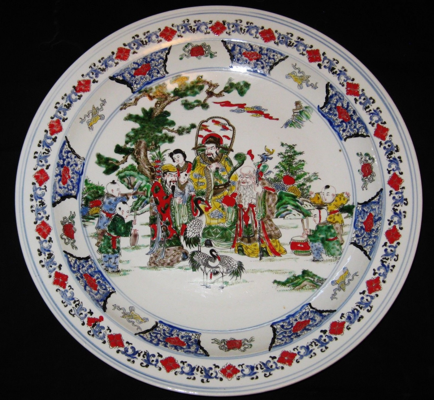 ANTIQUE BIG CHINESE PORCELAIN CHARGER 45 cm, HAND PAINTED KANG -XI MARK,
