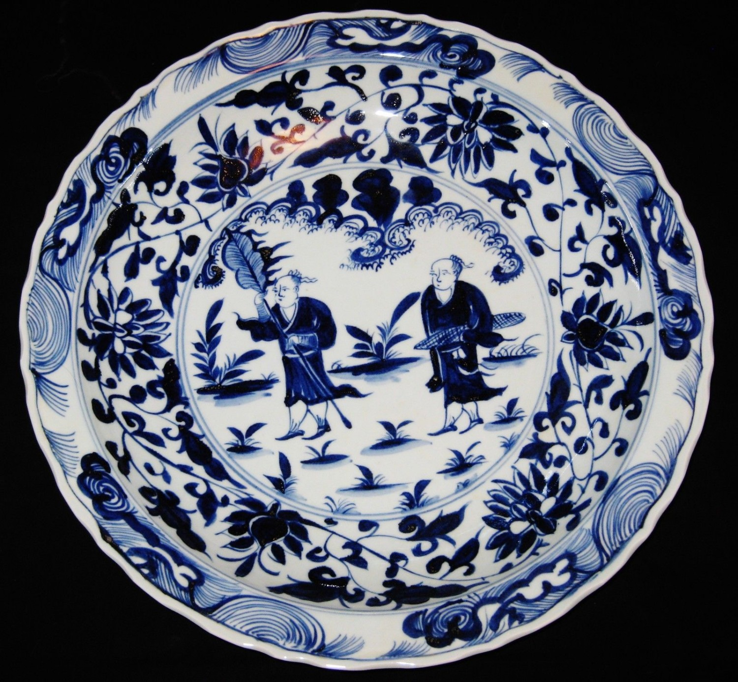 ANTIQUE CHINESE PORCELAIN, 44.5 CM B&W CHARGER, 19TH C, XUANDE MARK.